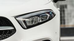 Audi A3 vs Mercedes Classe A plug-in hybrid: i proiettori anteriori full LED della Mercedes
