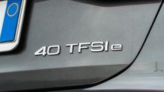 Audi A3 vs Mercedes Classe A plug-in hybrid: il badge sul portellone dell'Audi