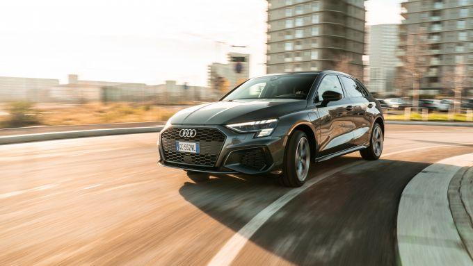Audi A3 vs Mercedes Classe A plug-in hybrid: la A3 PHEV è stabile e sicura in curva