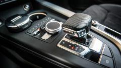 Audi A4 2.0 TDI: leva cambio automatico e comandi infotainment