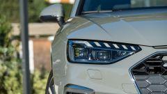Audi A4 Avant 2019, i fari anteriori