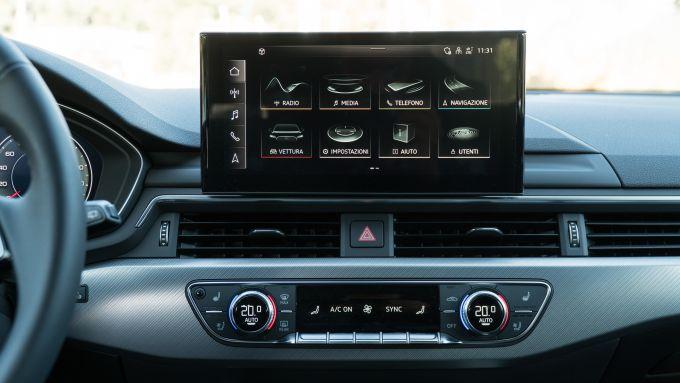 Audi A4 Avant 2019: l'infotainment MMI Plus con schermo touch da 10 pollici