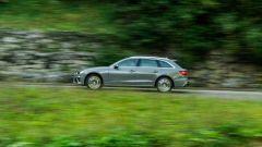 Audi A4 Avant 2019, vista laterale