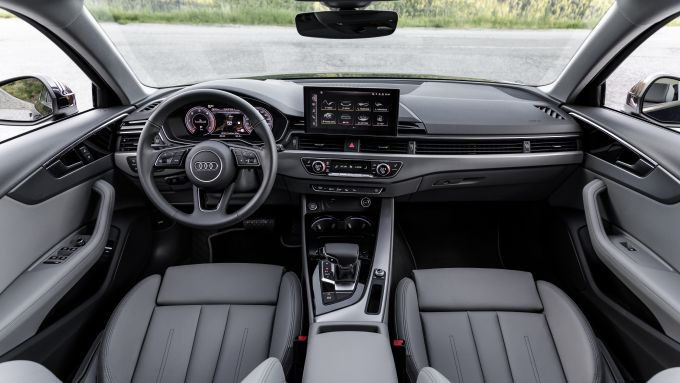 Audi A4 Avant 2021: gli interni
