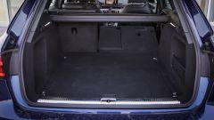 Audi A4 Avant quattro: il bagagliaio ha un disegno regolare