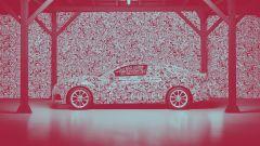 Audi A5 coupé: il nuovo teaser la mostra nella sua interezza, ma pesantemente camuffata