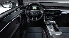 Audi A6 Allroad: una vista dell'abitacolo con gli schermi digitali sulla plancia