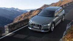 Audi A6 allroad: vista frontale superiore