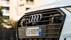 Audi A6 Avant 55 tfsi e quattro: calandra esagonale e sensori ADAS poco mimetizzati
