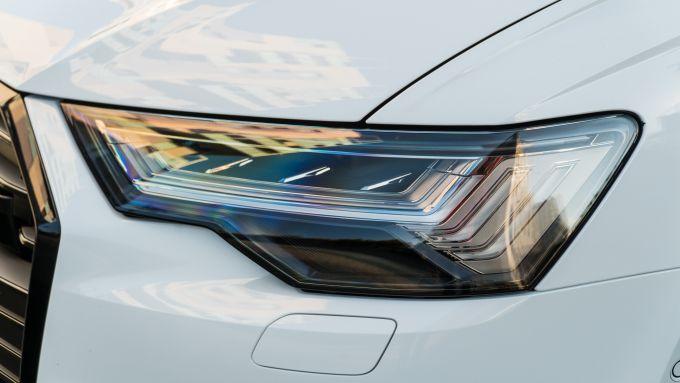 Audi A6 Avant 55 TFSI e quattro, fari full LED