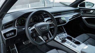 Audi A6 Avant 55 TFSI e quattro, gli interni