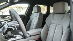Audi A6 Avant 55 tfsi e quattro: i sedili anteriori sportivi della versione S Line