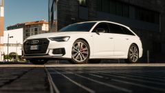 Audi A6 Avant 55 tfsi e quattro: il taglio di luce ne mette in risalto il design moderno