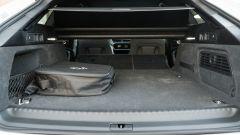 Audi A6 Avant 55 tfsi e quattro: le batterie sono sotto il bagagliaio che va da 405 a 1.535 litri