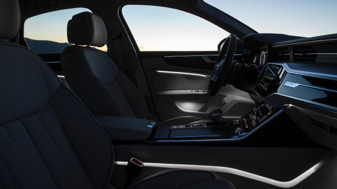 Audi A6 2019, gli interni