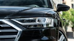 Audi A8 60 TFSI e plug-in: i fari a matrice di LED