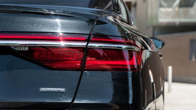 Audi A8 60 TFSI e plug-in: i gruppi ottici posteriori
