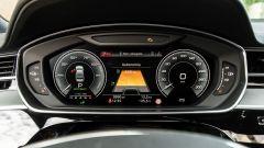 """Audi A8 60 TFSI e plug-in: il cruscotto digitale da 12,3"""""""