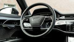 Audi A8 60 TFSI e plug-in: il volante multifunzione