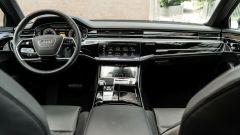 Audi A8 60 TFSI e plug-in: l'abitacolo