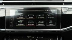 Audi A8 60 TFSI e plug-in: lo schermo centrale dell'infotainment