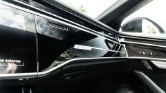 Audi A8 60 TFSI e plug-in: materiali eleganti per la plancia