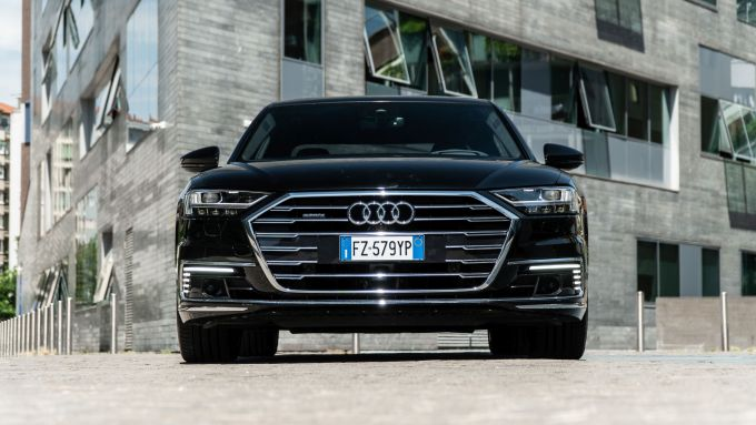 Audi A8 60 TFSI e plug-in: visuale frontale