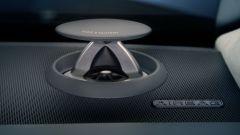 Audi A8: un tweeter a scomparsa del Bang & Olufsen Advanced Sound System