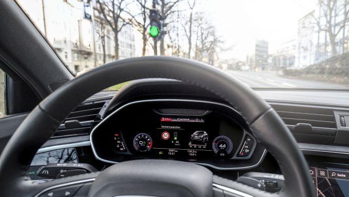 Audi e il riconoscimento semaforico: a quando anche in Italia?