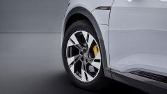 Audi e-tron 50 quattro, dettaglio della ruota anteriore