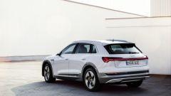 Audi e-tron 50 quattro, vista 3/4 posteriore