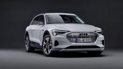 Audi e-tron 50 quattro, vista semi-frontale