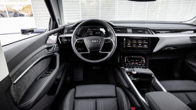 Audi e-tron, gli interni della prima Audi elettrica