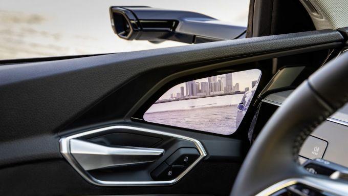 Gli specchi virtuali dell'Audi e-tron