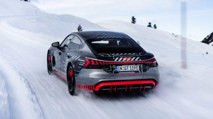 Audi e-tron GT quattro: il prototipo sulla neve
