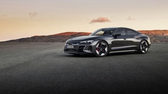 Audi e-tron GT quattro: visuale laterale