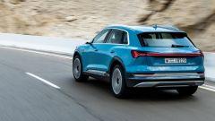 Audi e-tron: i due motori elettrici sviluppano insieme una potenza massima di 408 cavalli e 664 Nm