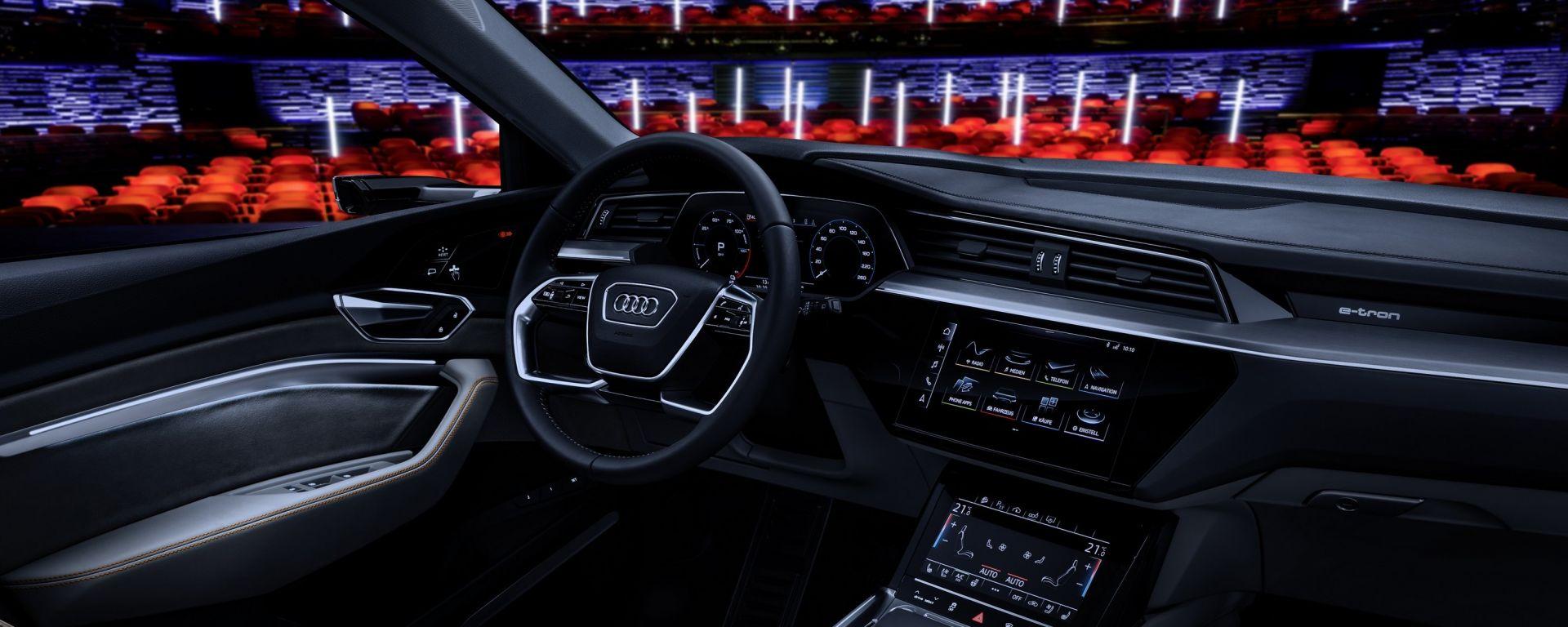 Audi e-tron Prototipo: interni digitali in salsa A8