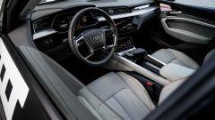 Audi e-tron Prototipo: interni digitali in salsa A8 - Immagine: 7