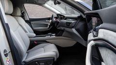 Audi e-tron Prototipo: interni digitali in salsa A8 - Immagine: 10