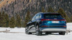 Audi e-tron quattro, elettro-Suv a prova di neve e ghiaccio - Immagine: 6