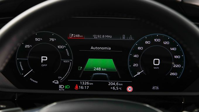 Audi e-tron, il virtual cockpit