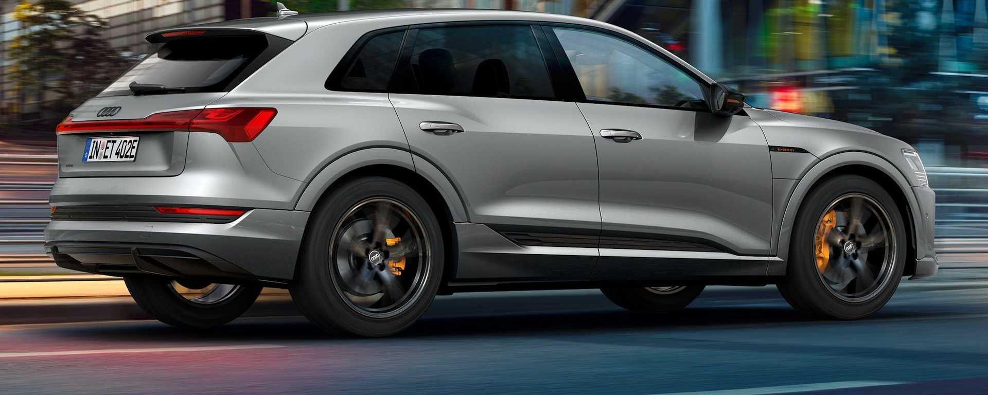 Audi e-tron S Line Black Edition 2021: allestimento speciale per il SUV elettrico