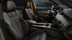 Audi e-tron S Line Black Edition 2021: interni in tessuto speciale