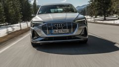 Audi e-tron Sportback con fari LED Digital Matrix