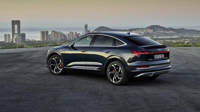 Audi e-tron Sportback Edition one: visuale di 3/4 posteriore
