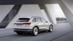 Audi e-tron: vista 3/4 posteriore