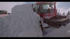 Audi: la Q7 diventa un pupazzo di neve - Immagine: 14