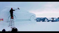 Audi: la Q7 diventa un pupazzo di neve - Immagine: 1