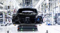Audi, dal 2025 solo auto elettriche. Addio ai motori termici (ma non in Cina)